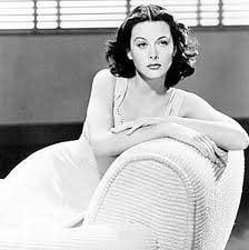 Hedy Lamarr Una Estrella De Cine Y Algo Más Woman Essentia