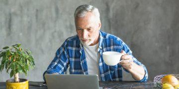 Pulseras y relojes inteligentes para mayores de 65 años