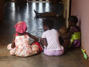 Ninos orfanato Burkina Faso