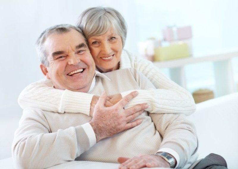 Si tu pareja tiene problemas auditivos sabes que en muchas ocasiones la comunicación no es fluida y ocasiona tensiones y conflictos