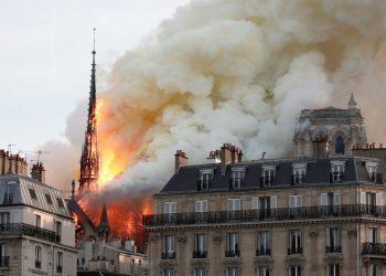 Se quema Notre Dame, y... ¿Algo más?