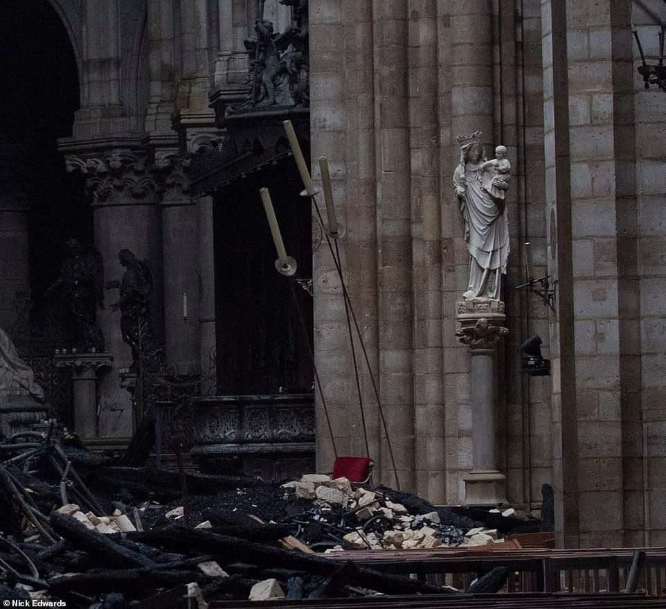 Se quema Notre Dame ¿Y algo más?