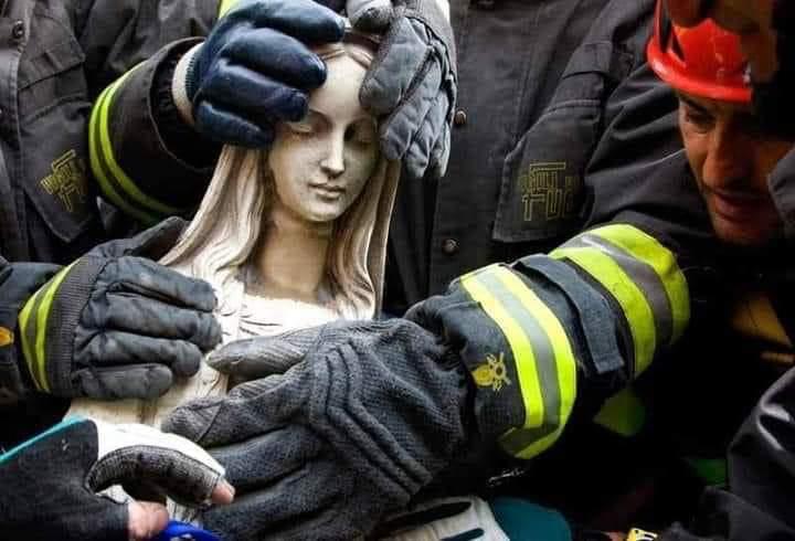 Se quema Notre Dame, ¿Y algo más?