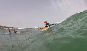 Sarah en la ola